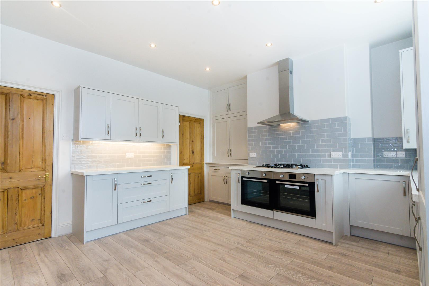 NEWLY FITTED DINING KITCHEN